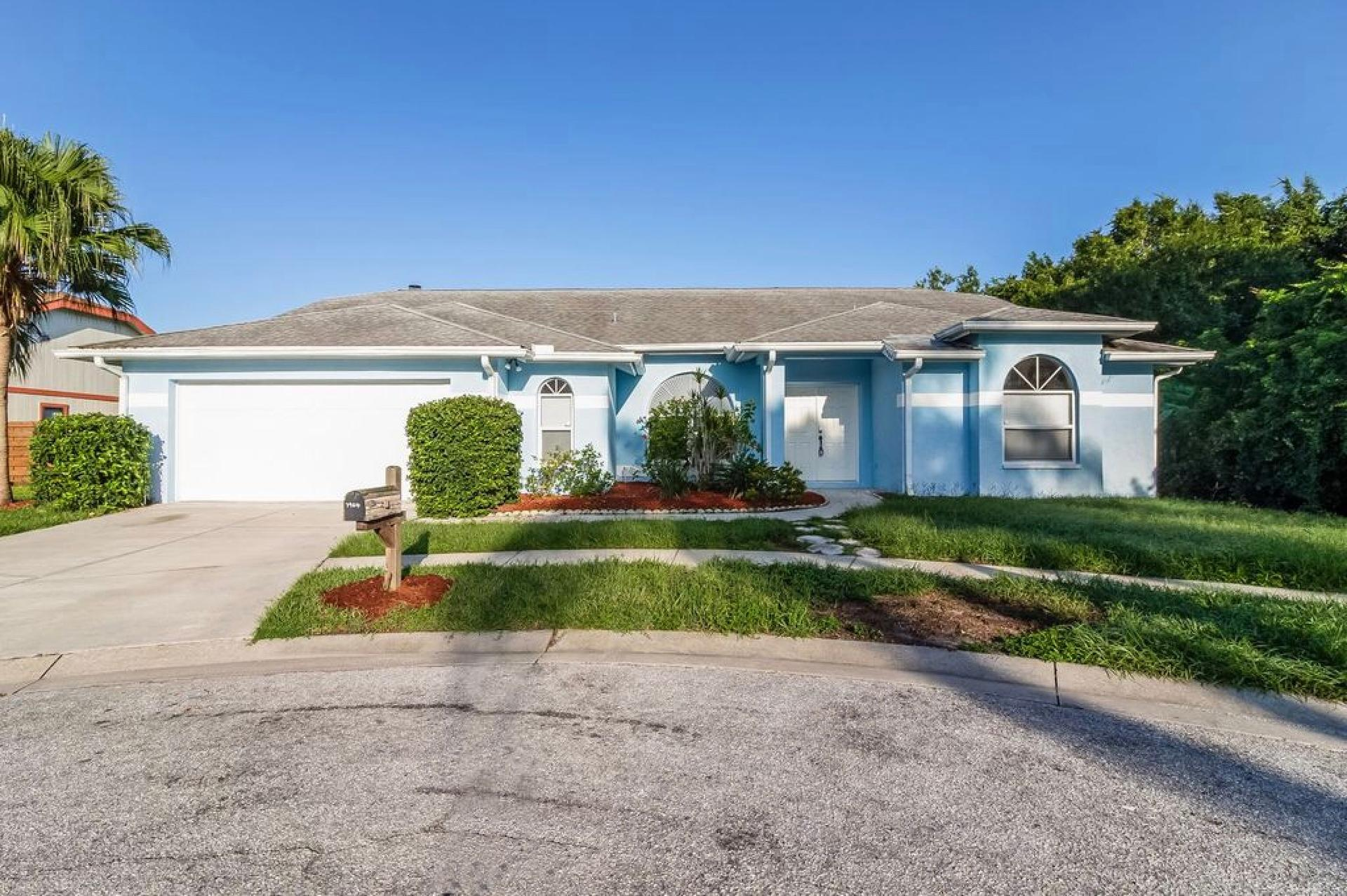 Photo of property: 7964 Glenbrooke Ln, Sarasota, FL 34243