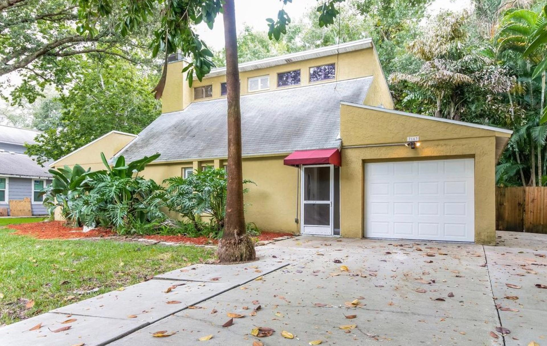 Photo of property: 7163 Jarvis Rd, Sarasota, FL 34241