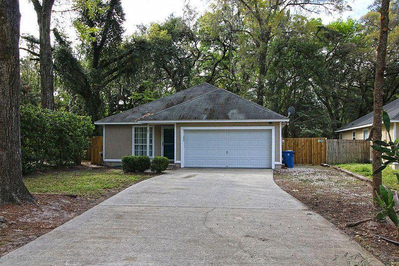 Photo of property: 7210 Oakwood Dr, Jacksonville, FL 32211