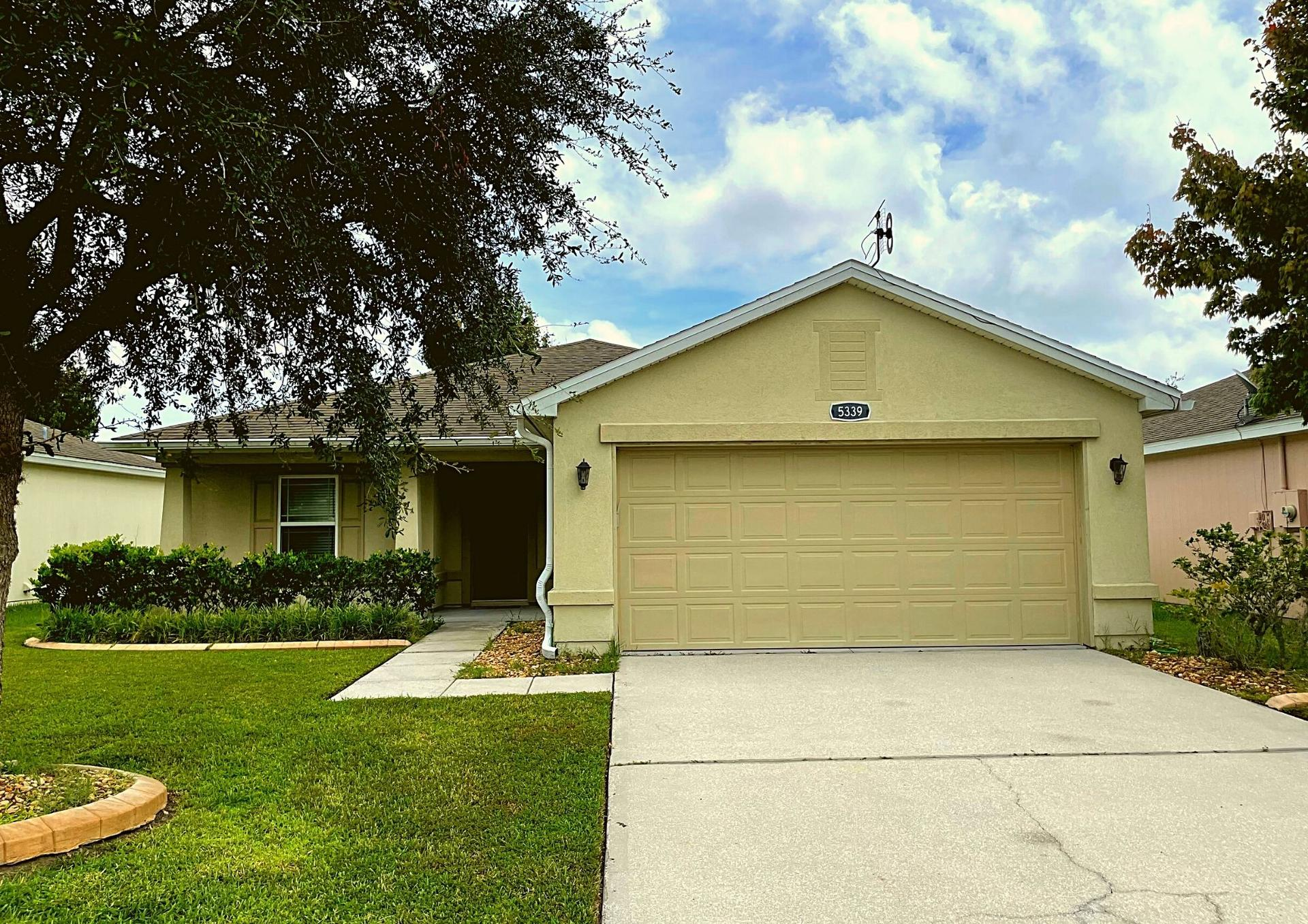 Photo of property: 5339 Peach Blossom Blvd, Port Orange, FL 32128
